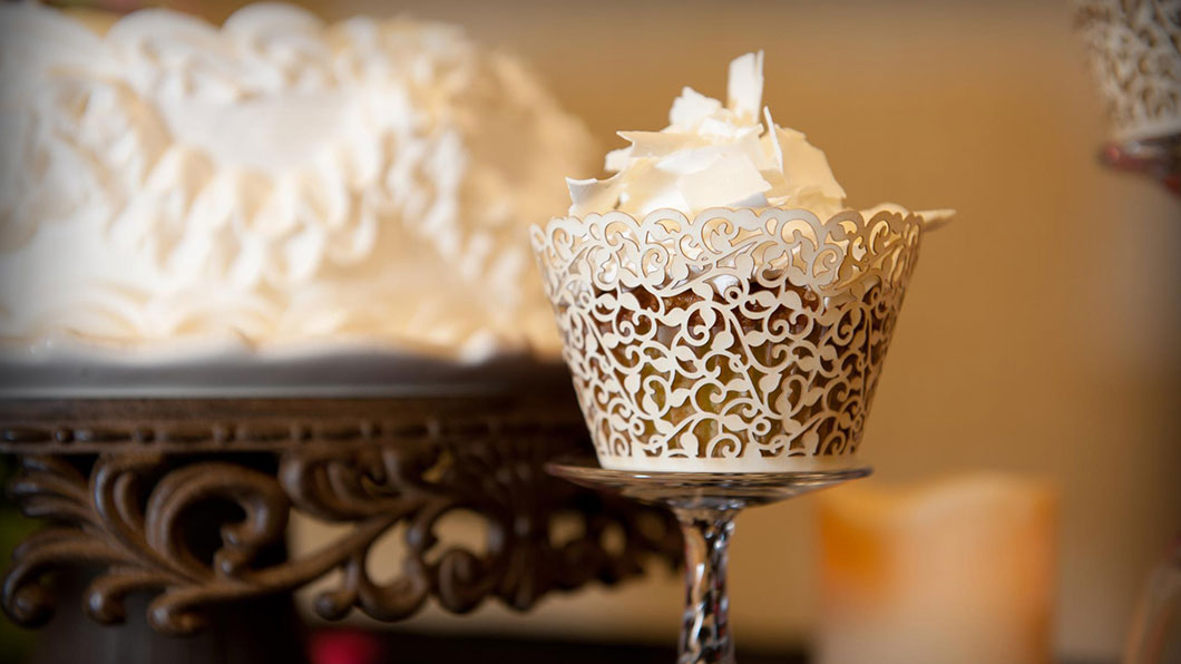 Some like it Hot Cakes and Catering is a boutique bakery and catering service providing food, snacks, cakes, cupcakes, deserts, and meals throughout Austin, Rochester, and Spring Valley, MN.